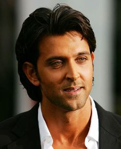 #HrithikRoshan appeals for contributions to help family of firefighter #Ivalekar