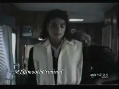 Behind the scenes MJ is in his trailer getting in costume to film the Speed Demon scene of his movie 'Moonwalker' film by his make-up artist Karen Faye and s. Michael Jackson Gif, Michael Love, Mj Bad, Jackson Music, Fan 2, King Of Music, Popular Culture, American Singers, Record Producer