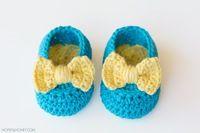Yellow Bow Easy Crochet Baby Booties