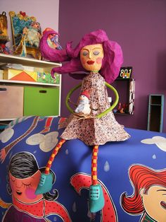 CowParade - Alegria Invernal by Carol W Victorian Dollhouse, Modern Dollhouse, Toy Art, Clay Dolls, Art Dolls, All Paper, Paper Art, Fun Crafts, Paper Crafts