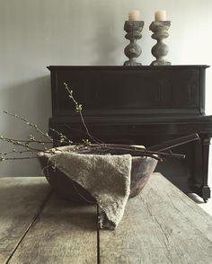 🌟Tante S!fr@ loves this📌🌟Fresco kalkverf P&O, warm grey, mooi Barn Living, Living Room, Warm Grey, Interior S, Wabi Sabi, Apartment Design, Beautiful Interiors, Sweet Home, Shabby Chic