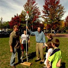 build a water rocket for backyard games Grandpa I think you'd better be getting crafty :) Backyard Games, Outdoor Games, Outdoor Play, Garden Games, Craft Activities For Kids, Science Activities, Water Rocket, Summer Diy, Cool Kids
