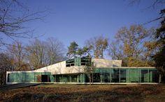 Mobius House, Van Berkel en Bos / UN Studio, Het gooi, The Netherlands Temporary Architecture, Famous Architecture, Space Architecture, House 2, Un Studio, Unusual Buildings, Landscape Concept, Building Structure, Minimalist Home