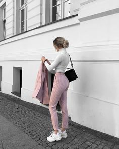 40 Combinations Of Stylish Pink Outfits For Women Business Casual Outfits, Professional Outfits, Cute Casual Outfits, Stylish Outfits, Look Casual, Women's Casual, Winter Fashion Outfits, Look Fashion, Fall Outfits