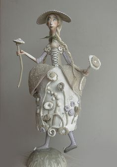 love the pale tones in this figure by Anna Zueva on flickr         #art_dolls