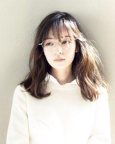 めがねスタイルも似合う森絵梨佳ちゃん。 #soupmagazine #森絵梨佳 #soup Soup.10月号より。  Photo:yasuhisa kikuchi Styling:aya kurosaki Hair&Make:mifune  #soupmagazine #soup. #森絵梨佳 #fashion #めがね女子 #girlwithglasses #glasseswearinggirl #morierika