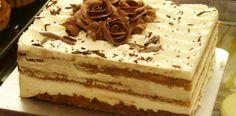 Tiramisu a popular coffee-flavored italian dessert. How To Make Tiramisu, Homemade Tiramisu, Italian Desserts, Köstliche Desserts, Delicious Desserts, Italian Tiramisu, Wedding Desserts, Food Cakes, Bolo Tiramisu