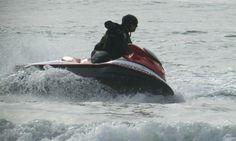 Si te gustan los deportes acuáticos, en Rosarito Ocean Sport podrás realizar un tour en el océano pacifico en un kayak, Jet ski ya sea en familia, en pareja o con tus amigos, es una experiencia única que no te puedes perder! #RosaritoMeGusta! Conoce más visitando: http://www.rosarito.org/es/2014/01/en-rosarito-conquista-el-pacifico-en-kayak/