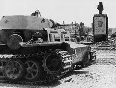 Captured in Slutsk Pz.Kpfw.II Ausf.J from the 221st Tank Company, summer of 1944 - Heavy walk of a light tank