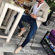Men's Beige Blazer, Navy and White Gingham Dress Shirt, Blue Skinny Jeans, Brown. - Men's fashion, style shapes and clothing tips Mens Fashion Blazer, Suit Fashion, Mens Smart Casual Fashion, Men Blazer, Trendy Fashion, Smart Casual Men Work, Beige Blazer Outfit, Fashion Shoot, Blazer Outfits Men