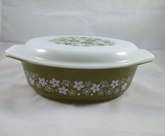 Vintage Pyrex Spring Blossom Crazy Daisy Green Oval Casserole Dish W/ lid 045