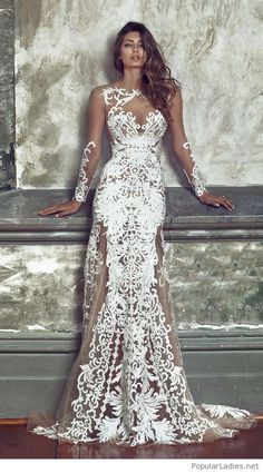 Amazing dress with lace, nude and white