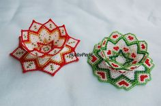 2 patterns doilies and beaded Christmas Bowls Seed Bead Patterns, Beaded Bracelet Patterns, Doily Patterns, Beading Patterns, Crochet Patterns, Art Perle, Beaded Christmas Ornaments, Christmas Bowl, Techniques Couture