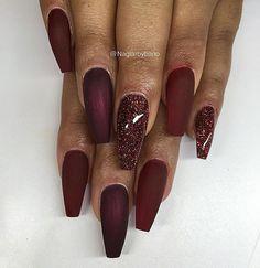 Vamp red, black cherry (matta) & Egenblandad glitter ✨