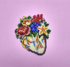 Collier et broche heart.2in1 anatomique. Broche ou patch. Art cardiaque. Art à porter. Bijoux de déclaration. Bijoux de couture. Coeur floral de Anatomy.Flowers
