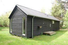 Black Møn Huset Længehuset 55, exterior with breezeway doors closed
