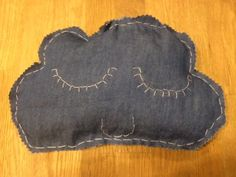 Cloud Pillow - filled w rice. Template via 3.bp.blogspot.com Used a light denim weight fabric from JoAnns, and pinking shears for the trim Pinking Shears, Cloud Pillow, Light Denim, Rice, Templates, Pillows, Fabric, Blog, Crafts