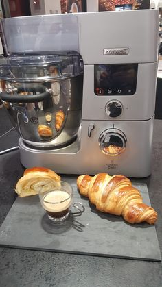 Cooking Chef Gourmet Kenwood, Kenwood Chef, One Person Meals, Meals For One, Chef Experience, No Cook Desserts, Kitchenaid, Croissant, Robots