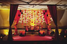 Holud flower stage decor