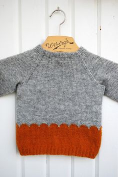 Baby Knitting Patterns Pullover Pattern: Own, used the same wave pattern as the caps and made one a … Baby Knitting Patterns, Knitting For Kids, Crochet For Kids, Crochet Baby, Hand Knitting, Knit Crochet, Cardigan Bebe, Pull Bebe, Baby Sweaters