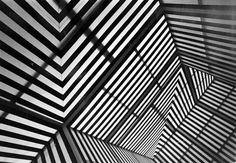 """Photo-souvenir : Points de vue ou le Corridorscope, mai 1983, travail in situ, réalisé in """"Points de vue"""", Musée d'art moderne de La Ville de Paris, Paris, France, 6 mai-30 juin 1983. Détail."""