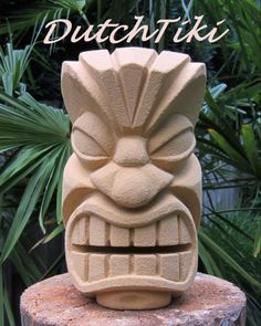 My first tiki (statue/sculpture) Tree Carving, Wood Carving Art, Wood Art, Tiki Man, Tiki Tiki, Tiki Faces, Tiki Statues, Tiki Decor, Tiki Totem