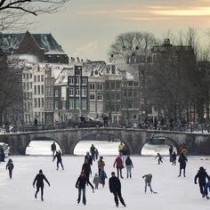 Amsterdam - Canals become all-natural ice-skating venues in winter Amsterdam Winter, I Amsterdam, Amsterdam Netherlands, Amsterdam Tumblr, Oh The Places You'll Go, Places To Travel, Places To Visit, Amsterdam Canals, Thinking Day
