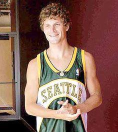 Jeremy Lamb traded to Hornets for Ridnour, pick Luke Ridnour  #LukeRidnour