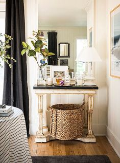 Marrying European furnishings with ocean photography and woven accents, Michellehas truly nailed the mix of styles for an elegant, eclectic home.