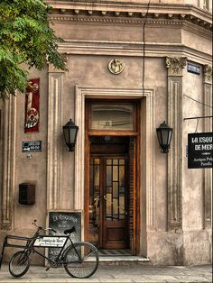 Vieja esquina en San Antonio de Areco, Argentina, by  Fernando Rey