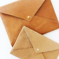 Learn how to make these gorgeous DIY No-Sew Leather Envelope Clutches.