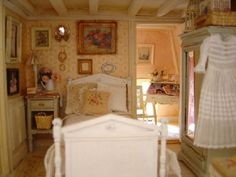 Beautiful bedroom detail: Lovely small space idea for a bedroom ~ love the bedding ~ (would never have guessed that this is a bedroom inside a dolls house... but I have taken inspiration frm this for my small guest room) :o)