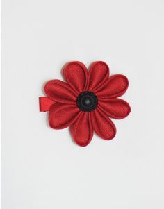 Pince fleur rétro en lin rouge et bouton noir ancien