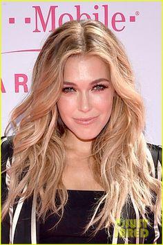 Rachel Platten at Billboard Music Awards 2016