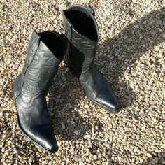 Cathy Jean Black Leather Boot Size 7 Fabulous Cathy Jean Cowgirl Boot made in Brazil...so you know the leather is soft as butter...these have been gently loved but are in pristine condition Cathy Jean Shoes Heeled Boots