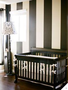 white nursery stokke crib babynursery Babykamer Pinterest