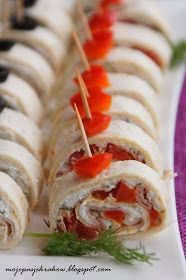 moje pasje: Mini kanapeczki - roladki z tortilli Finger Foods, Sushi, Food And Drink, Appetizers, Baking, Ideas Para, Ethnic Recipes, Nice, Everything