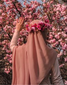 Hijab fashion - Image may contain one or more people, flower, plant and outdoor Arab Girls Hijab, Muslim Girls, Hijabi Girl, Girl Hijab, Hijab Outfit, Beautiful Muslim Women, Beautiful Hijab, Hajib Fashion, Modesty Fashion