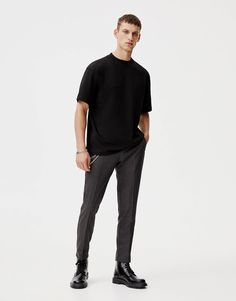 Samarreta bàsica canalé coll - PULL&BEAR Minimal Fashion, Men's Fashion, Fashion Outfits, Jupiter In Libra, Grown Man, Male Poses, Mens Clothing Styles, Drawing Tips, Everyday Outfits