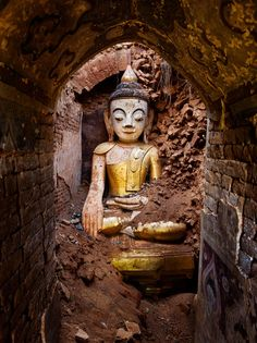 Buddhism | Steve McCurry