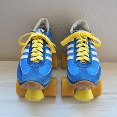 Had these bad boys. Vintage Sneaker Roller Skates wore them every where I could even to school a bunch of times lol My Childhood Memories, Childhood Toys, Sweet Memories, School Memories, Retro Vintage, Vintage Toys 1970s, Before I Forget, Skier, Nostalgia