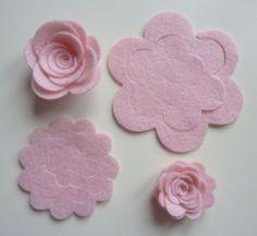 Felt Roses, Felt Flowers, Diy Flowers, Fabric Flowers, Paper Flowers, Flowers Garden, Large Flowers, Pink Roses, Felt Flower Wreaths