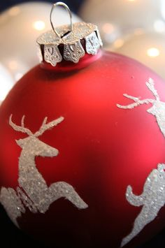 """chasingrainbowsforever:"""" ~ Christmas in Red ~"""" Elegant Christmas, Merry Little Christmas, Christmas 2014, Christmas Colors, Beautiful Christmas, All Things Christmas, White Christmas, Christmas Tree Ornaments, Christmas Decorations"""