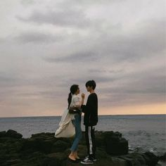 Highest rank in BTS in Fanfiction © by ladycha… # Fiksi penggemar # amreading # books # wattpad Relationship Goals Pictures, Cute Relationships, Cute Couples Goals, Couple Goals, Parejas Goals Tumblr, Korean Couple, Ulzzang Couple, Couple Aesthetic, Couple Posing