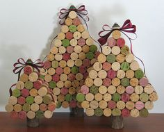 Wine Cork Christmas Trees with a button tree topper!