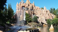 Wild West Falls Adventure Ride at Movie World on the Gold Coast in Queensland, Australia Gold Coast Theme Parks, Queensland Australia, Wild West, Family Travel, Waterfall, Adventure, World, Holiday, Movies