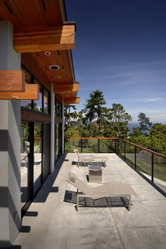 Modern Armada House in British Columbia by KB Design