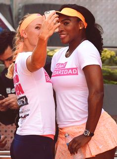 ¿Cuánto mide Caroline Wozniacki? - Real height 2d1a5ab3eb3ef0316367b493bbd5caf5