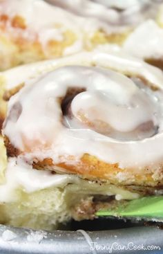Homemade Cinnamon Rolls from Jenny Jones (JennyCanCook.com) - Soft and delicious cinnamon buns and quick too - only one rise!