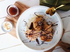 Maple & cinnamon poached pears Dairy Free, Gluten Free, Runner Beans, Poached Pears, Vegan Desserts, Cinnamon Sticks, Paleo, Sweets, Ethnic Recipes